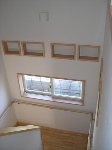 小物が置けるおしゃれな階段